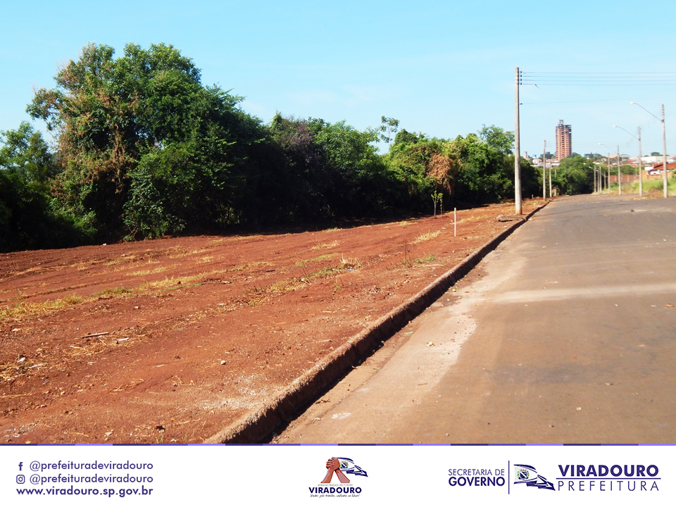 Limpeza nos bairros Região dos Lagos e Jardim Marina