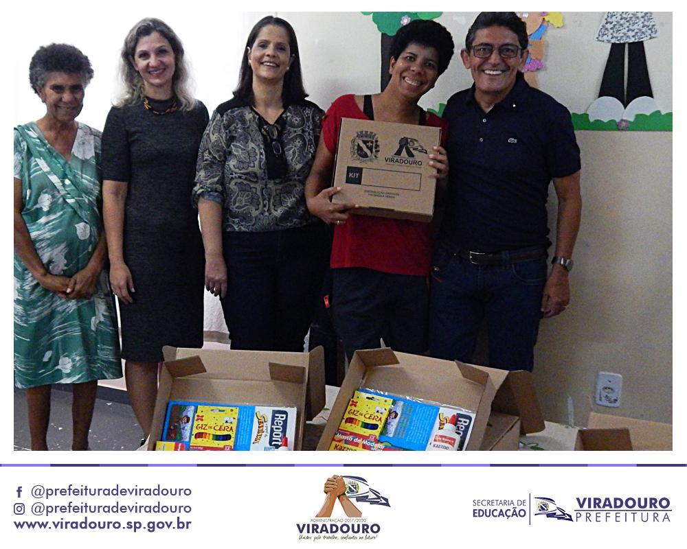 Entrega de Kits Escolares na EMEI Odete Vassalo e CMEI Nosso Cantinho