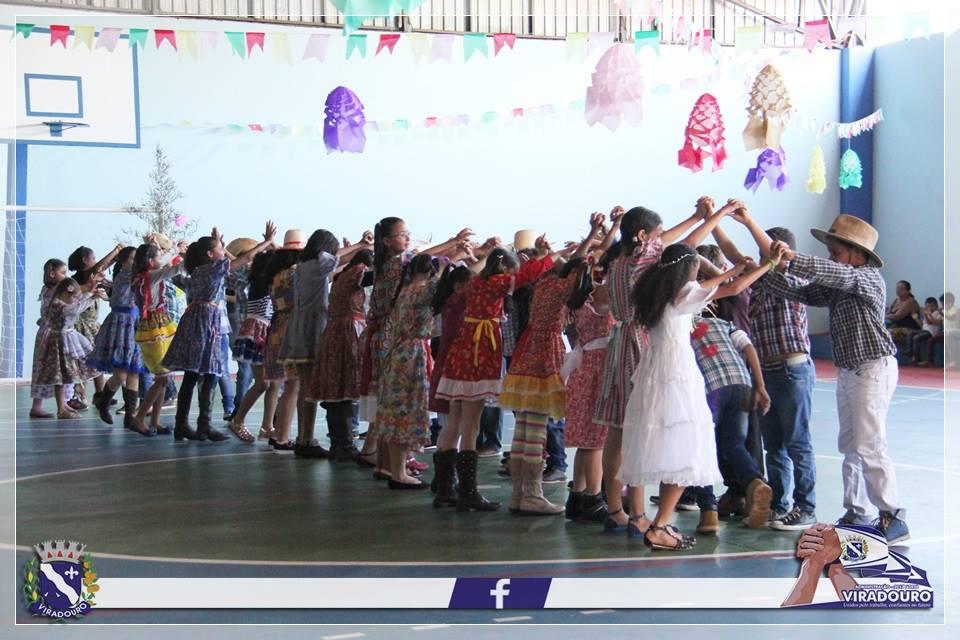 FESTAS JUNINAS - ARRAÍÁ DE ALEGRIA