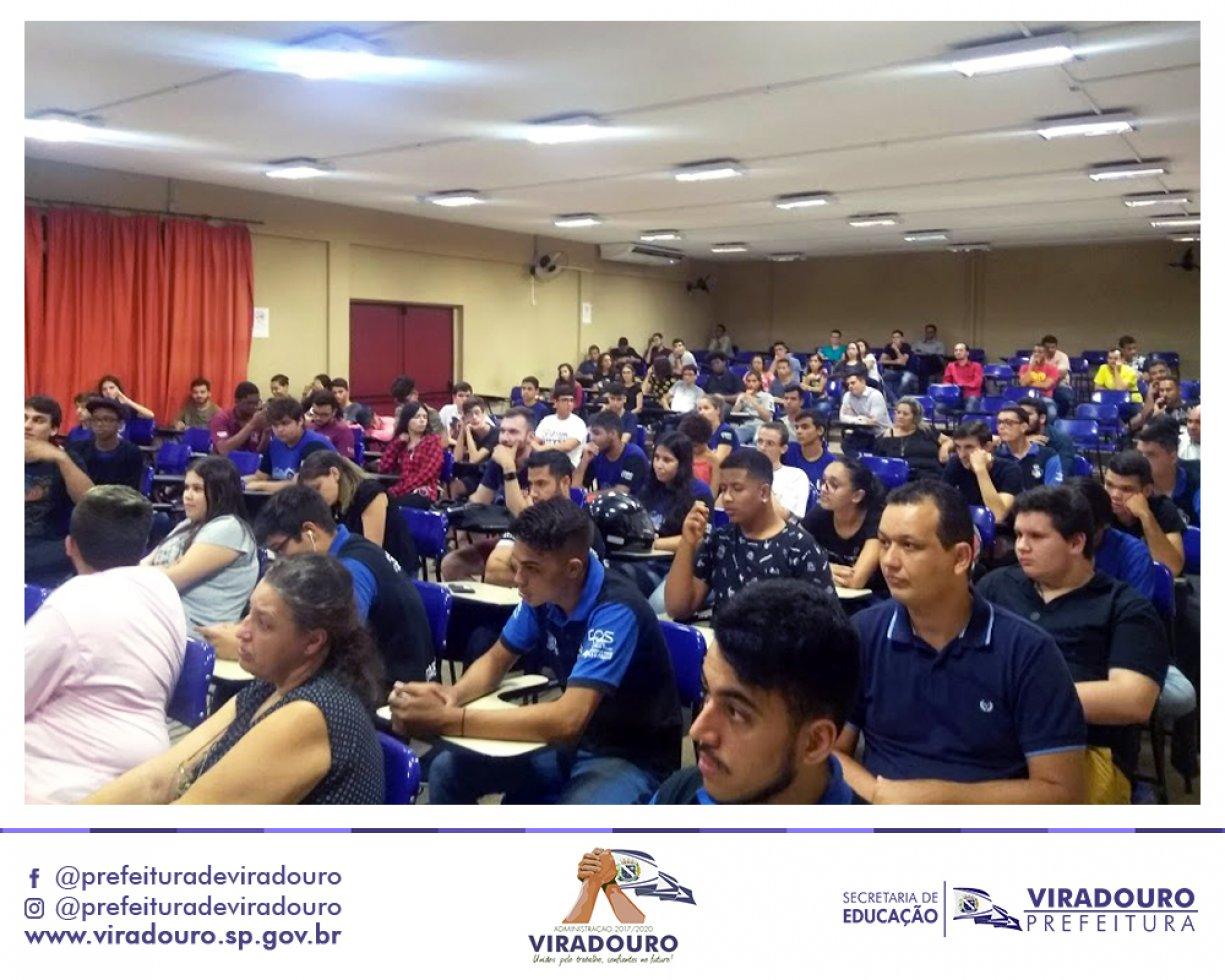 Alunos do Curso de Desenvolvimento de Sistemas da ETEC Viradouro Participaram da I Semana de Tecnologia em Bebedouro