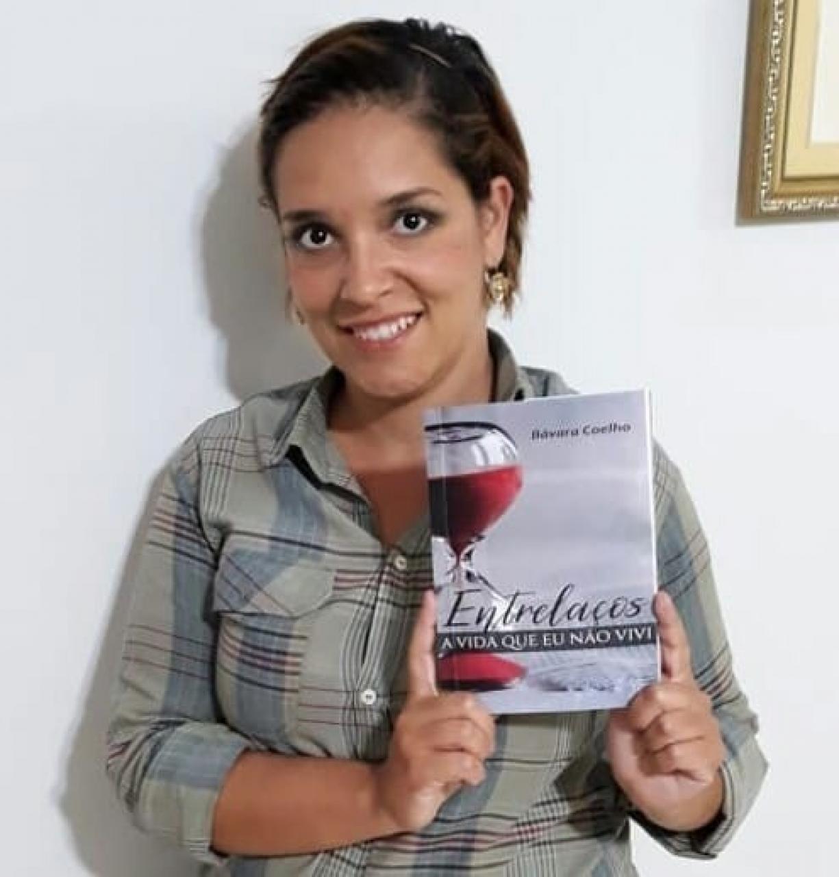 Lançamento do Livro Entrelaços da Autora Tamires Bávara Coelho de Viradouro