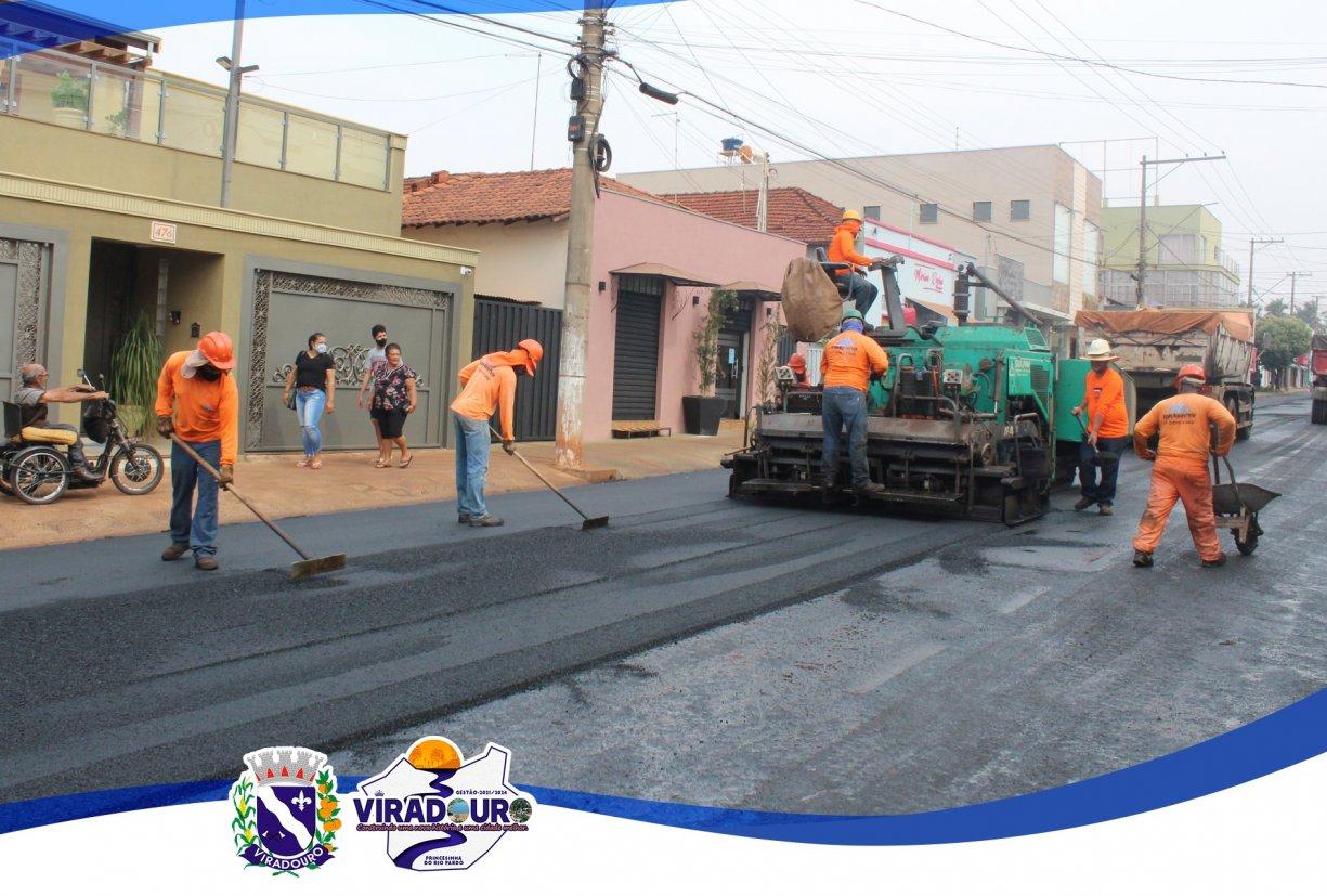 Iniciando mais uma etapa de recuperação do piso asfáltico de nossa cidade.